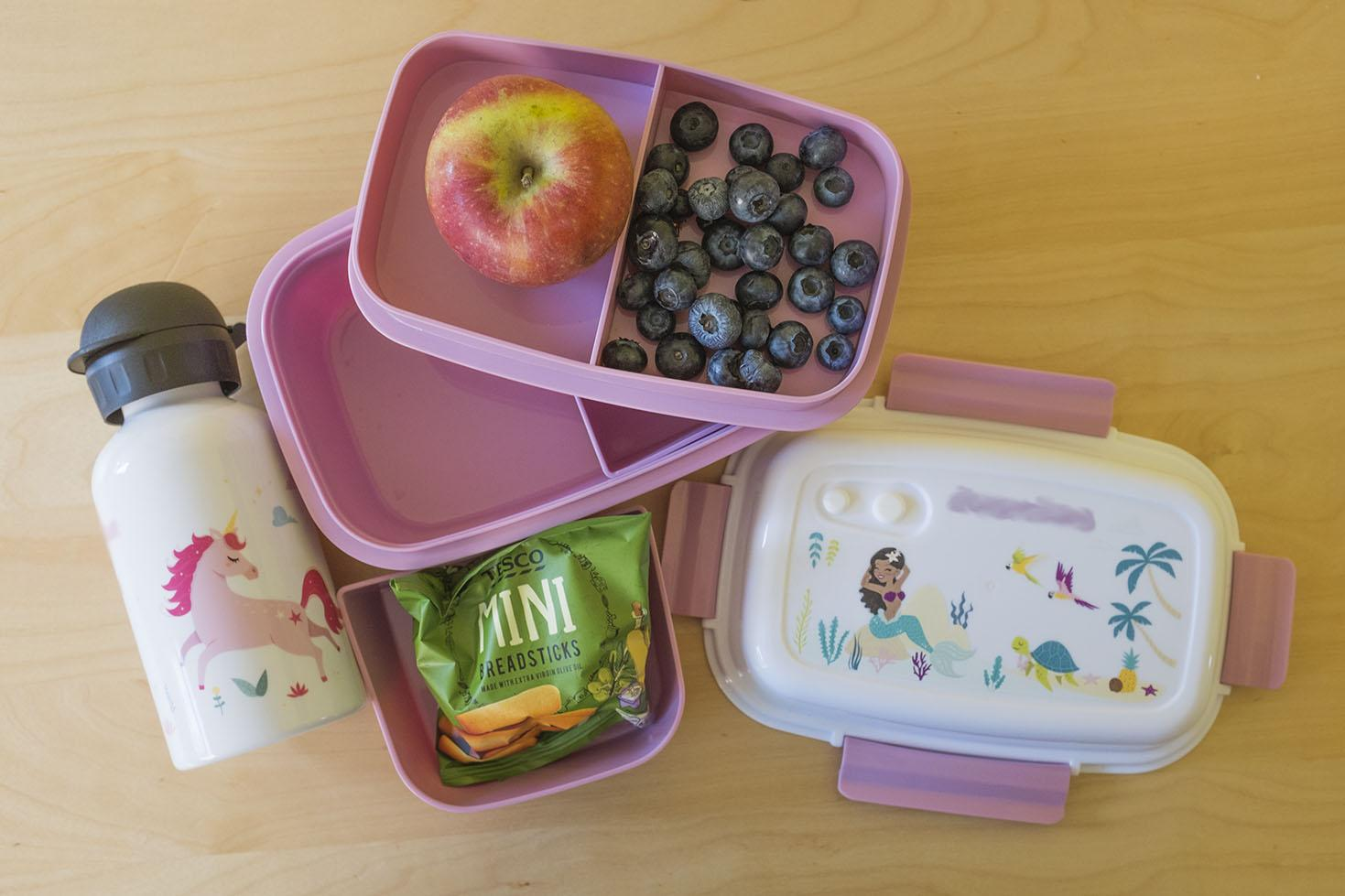 Petit-Fernand personalised lunchbox and drink.