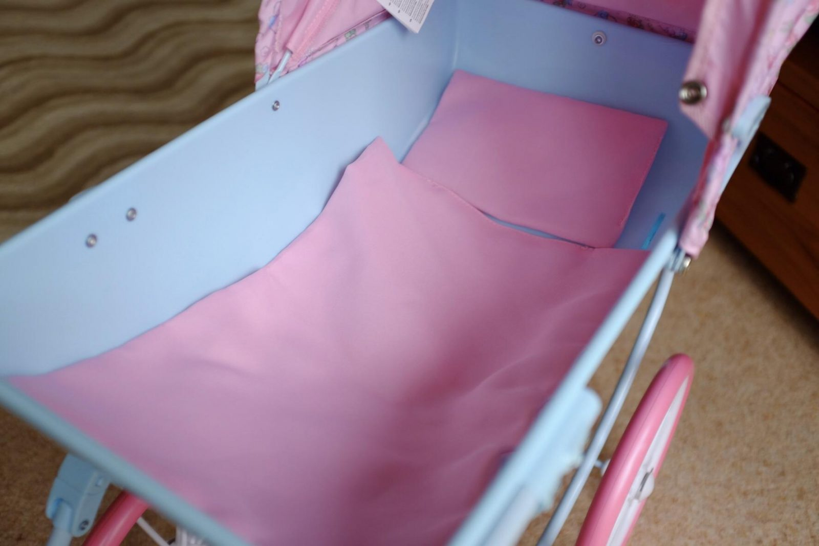 Pillow and blanket in Baby Annabell Carriage Pram