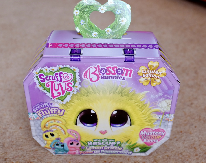 Blossom Bunnies Scruff a Luvs the box