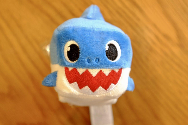 Mummy Shark singing cube from Baby Shark