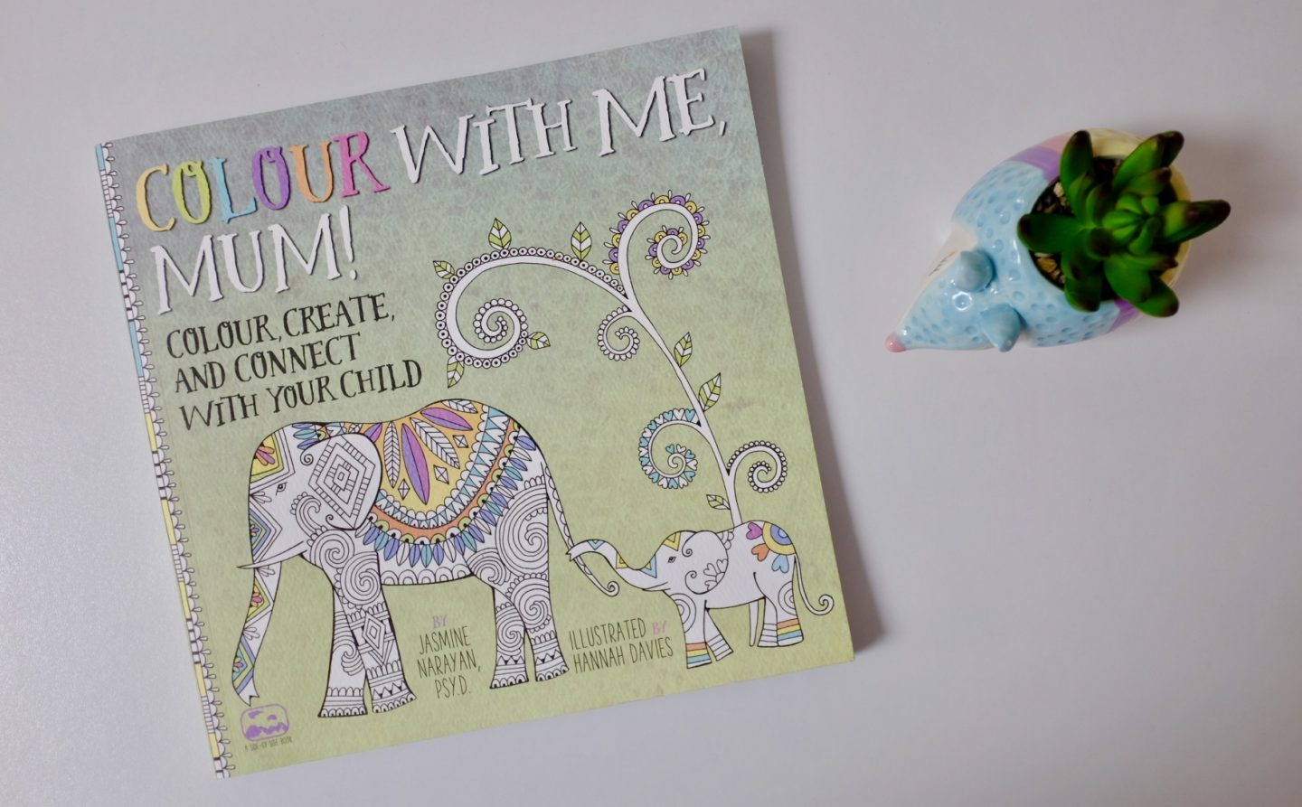 Colour with Me, Mum! Colouring Book – GIVEAWAY