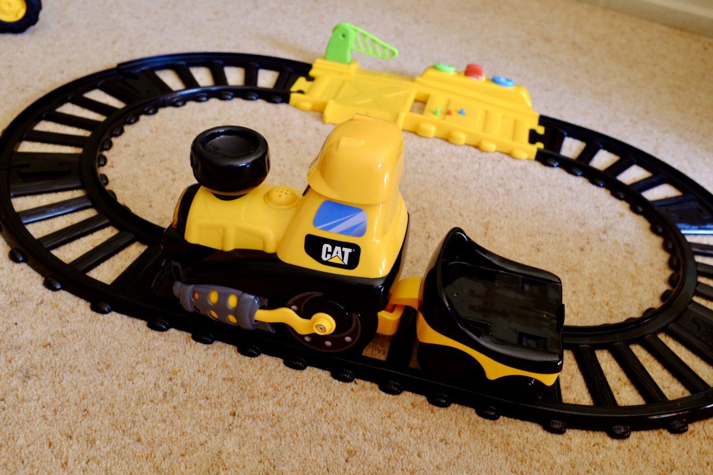 cat junior crew power track