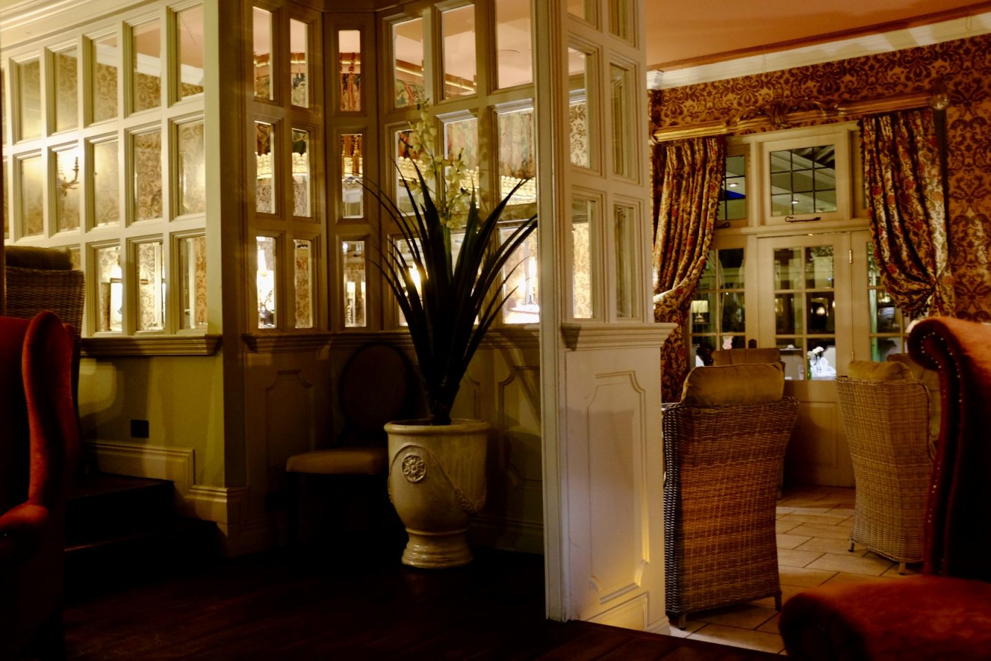 coombe abbey hotel seating area