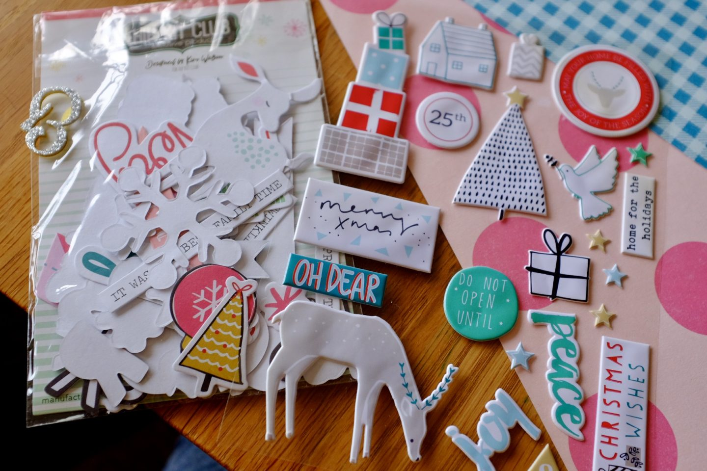kit to make christmas scrapbook style cards