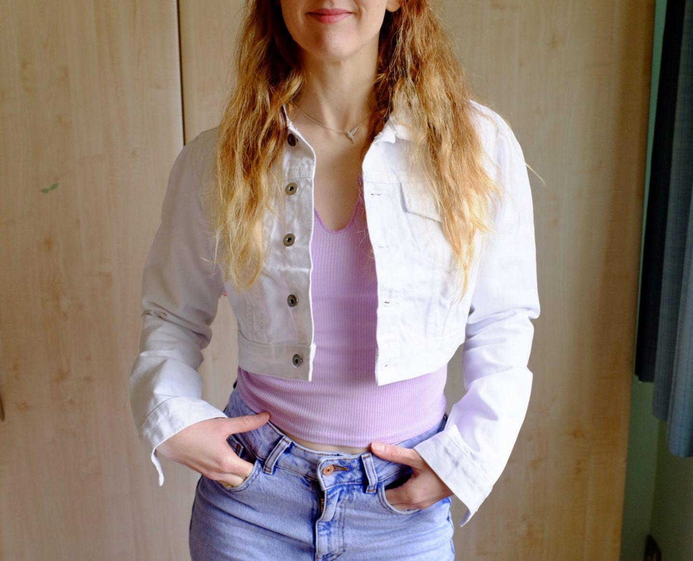 white cropped denim jacket spring style