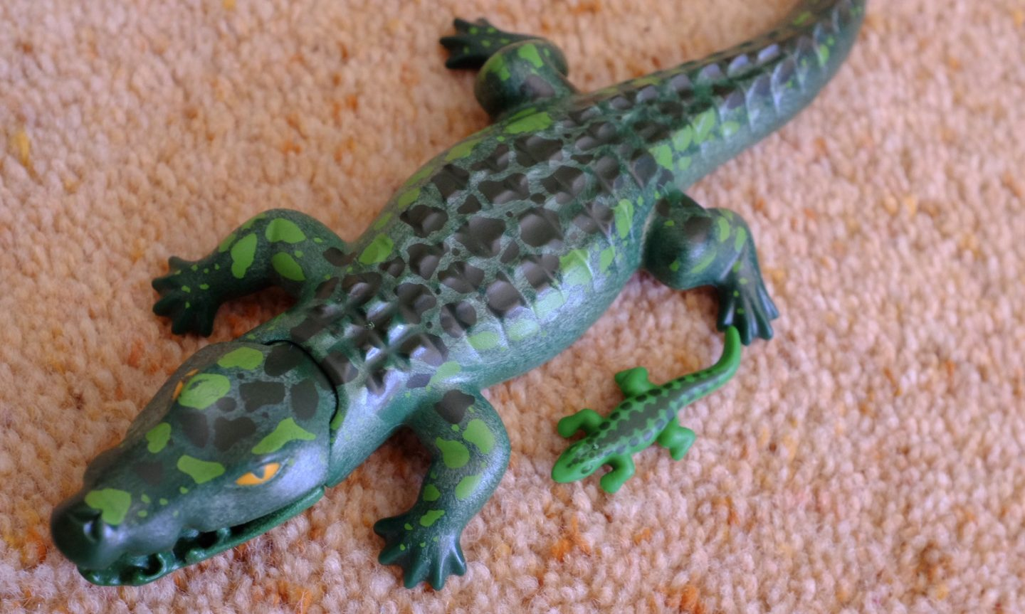 playmobil alligator and baby alligator