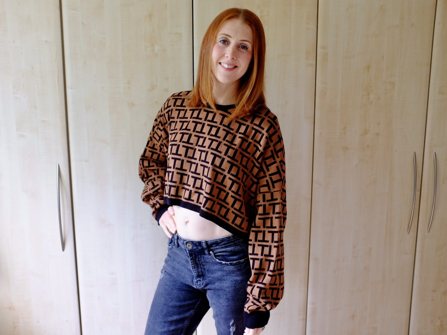brown cropped jumper femme luxe rainy days style