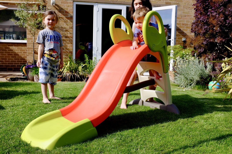kids around the Smoby KS Kids slide